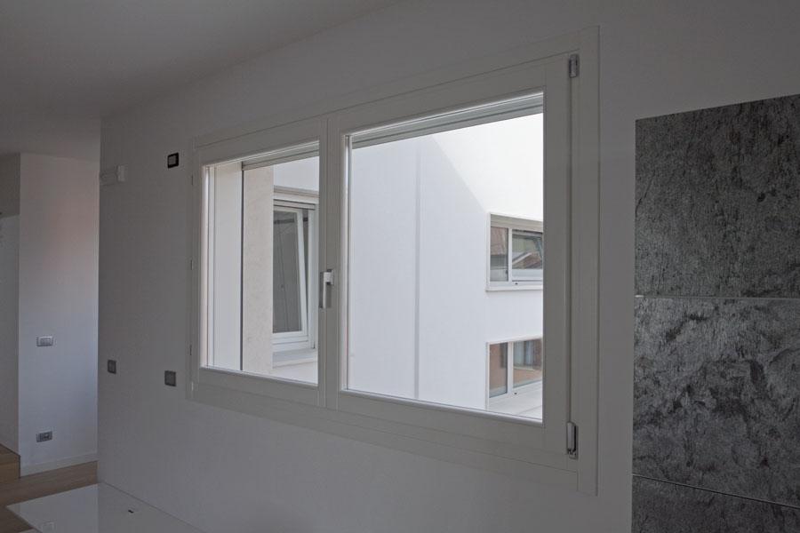 Falegnameria artigiana agnolon finestre e porte in - Finestra a due ante ...