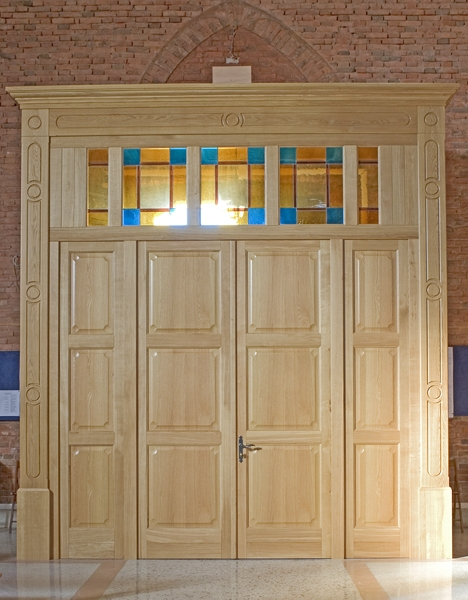 Falegnameria artigiana agnolon finestre e porte in for Arredo chiesa